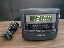 Aiwa Radio Reciver Model No. FR-A45U AM/FM Alarm Clock Radio