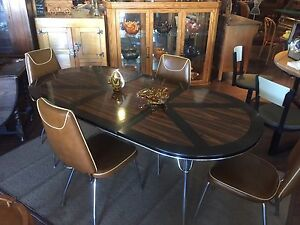 Mid-Century Table with 4 chairs and leaf
