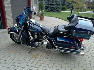 1992 Harley electricglide classic. No emails