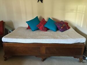 Vintage day bed Belfield Canterbury Area Preview