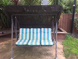 Swing Chair (outdoor) Point Cook Wyndham Area Preview