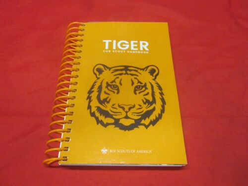 TIGER CUB SCOUT COIL BOUND HAND BOOK (NEW)