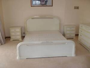 Queen/King Slat Bed Suite Greenvale Hume Area Preview