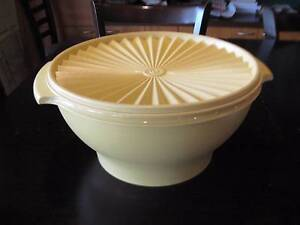 VINTAGE Retro Tupperware Large SERVALIER PRESS SEAL salad bowl Haberfield Ashfield Area Preview