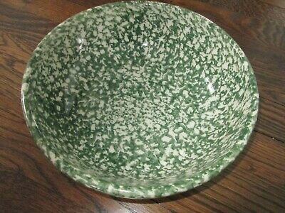 WORKSHOPS of GERALD E. HENN green splatterware round vegetable/ serving bowl.