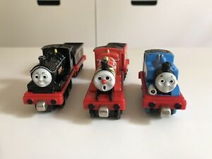 Thomas and friends magnet trains