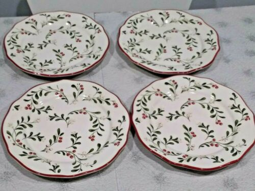 "Set of 4 Mistletoe Christmas Better Homes & Gardens 8 1/2"" Salad Plates EUC!"