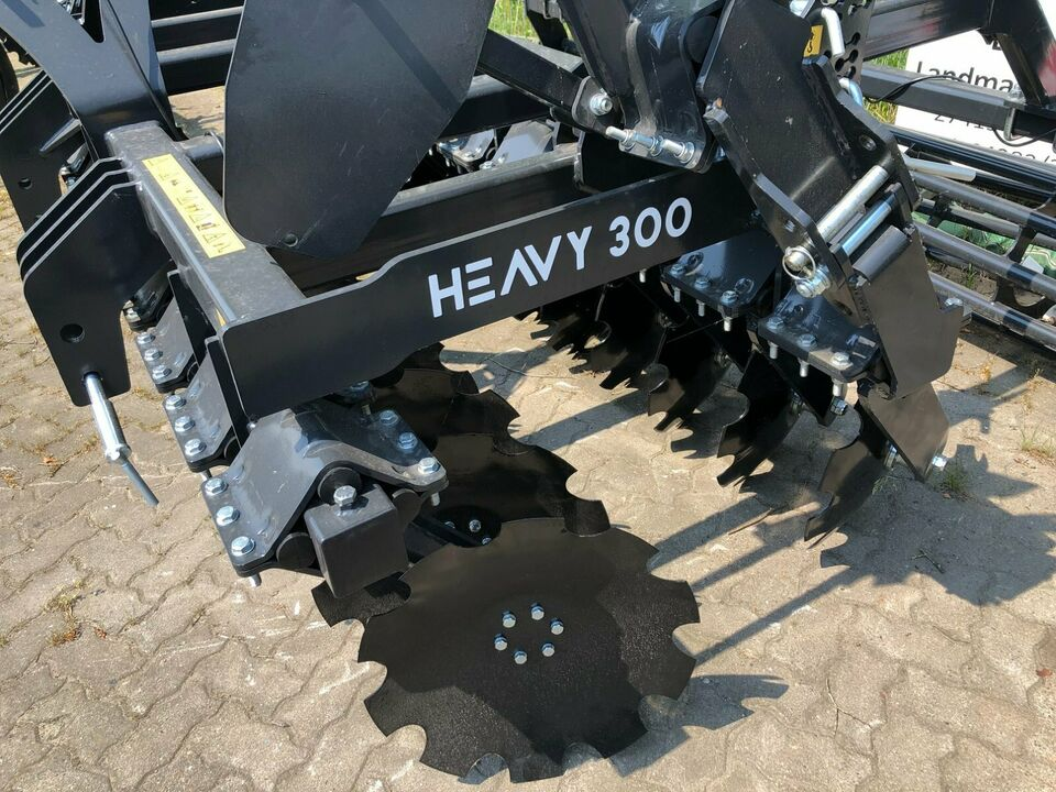 Kurzscheibenegge 3m Heavy Duty, Lemken, Amazone in Hamersen