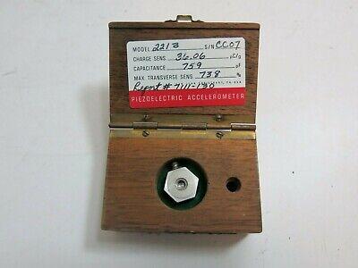 Endevco Corporation Accelerometer Model 2213c W Case 36.06 Pcg 759 Pf 738