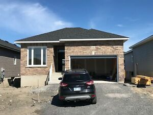 Brand new, west-end 3 bed, 2 bath - 1464 Evergreen