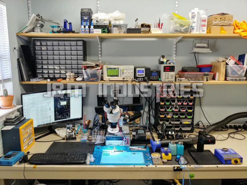 MacBook Pro A1706/A1707/A1708 Logic Board Repair Service