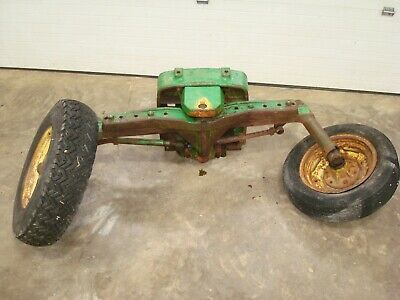 1961 John Deere 2010 Gas Tractor Wide Front End