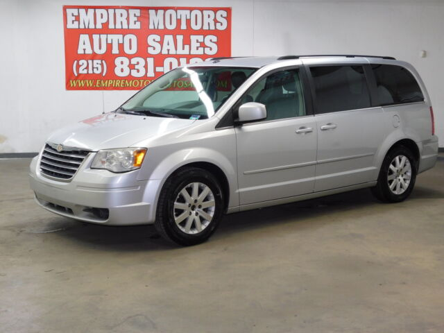 2008 Chrysler Town & Country For Sale