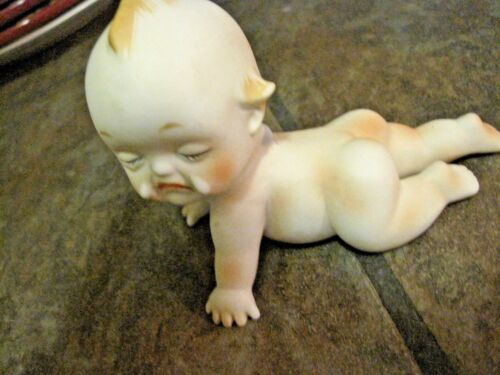 PIANO BABY ~ VINTAGE CRYING CUPIE, KEWPIE ~ BISQUE / PORCELAIN ~ A - 5 ~ EUC