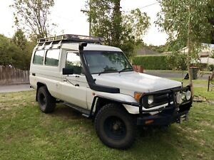 UNDER OFFER Toyota Landcruiser TROOPCARRIER HZJ75 75 series Troopy
