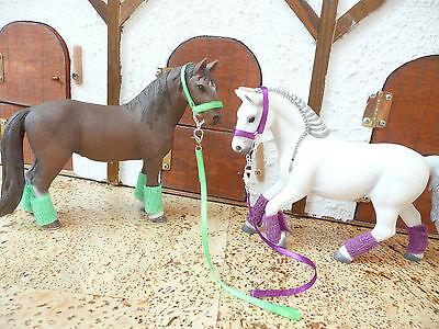 4  x Halfter mit Bandagen lila grün rot orange für Schleich Pferde