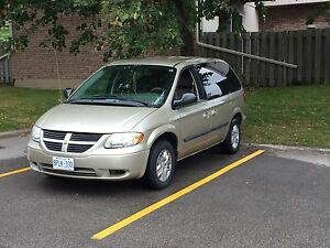 2007 dodge caravan low km ( NEED GONE )