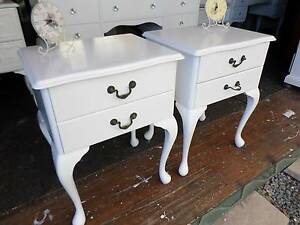 ♥ QUEEN ANNE SOLID TIMBER BEDSIDES TABLES (2) REFURBISHED WHITE ♥ Tingalpa Brisbane South East Preview