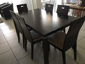 Dining table and chairs Elderslie Camden Area Preview