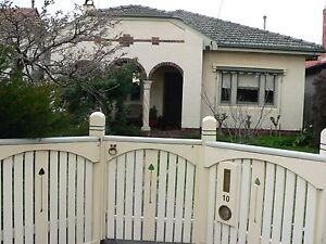 Comfortable house in moreland close to shops and public transport Coburg North Moreland Area Preview