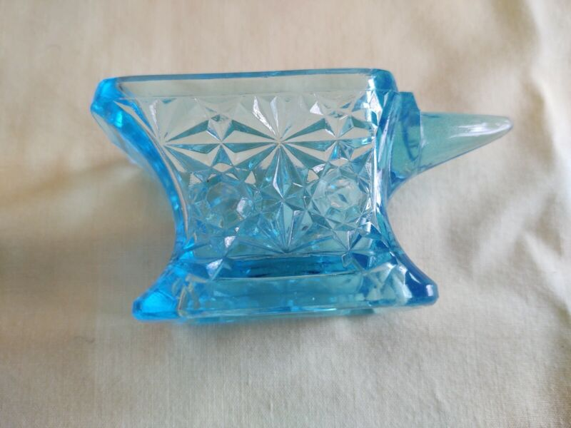 """Vintage EAPG """"Daisy & Button"""" Anvil Toothpick Holder Blue"""