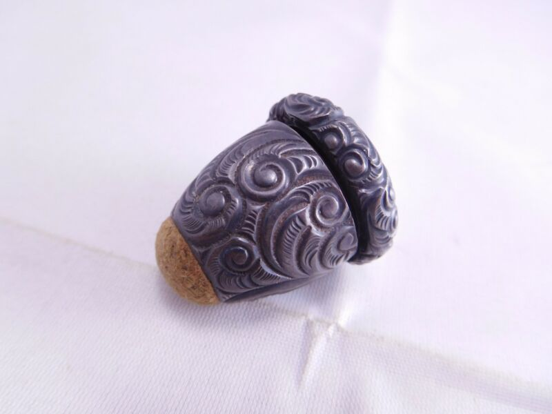 VICTORIAN STERLING SILVER REPOUSSE FIGURAL ACORN SEWING NOTION THIMBLE HOLDER