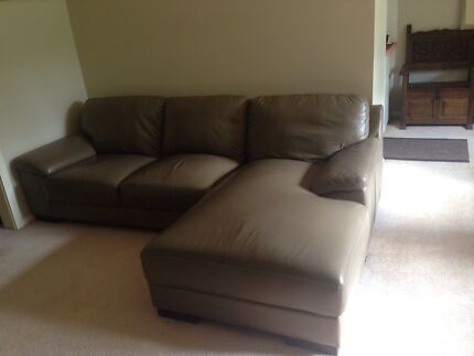 Leather sofa in excellent condition Belrose Warringah Area Preview
