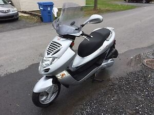 Scooter 250cc Kymco Comme Neuf!!!