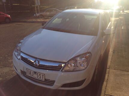 Holden Astra 2008 automatic hatchback - LOW KMS! Windsor Stonnington Area Preview