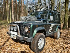Land Rover Defender 90 Td5 COUNTY STATION WAGON
