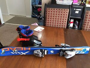 Children's skis & ski boots size 10