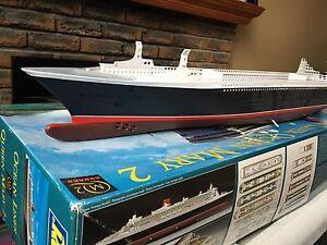 Queen Mary 2 Model