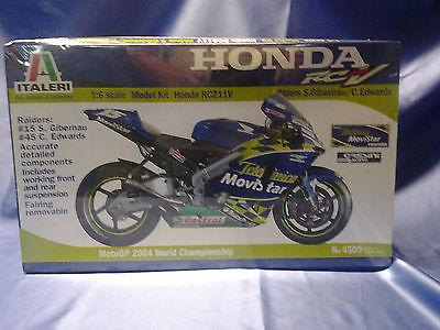 ITALERI HONDA RC211V MOTORCYCLE PLASTIC MODEL KIT 1/6 SCALE