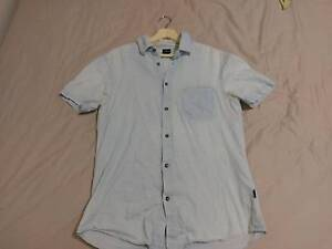 Riders by Lee Light Blue Shirt Short Sleeve - Size S Watsonia Banyule Area Preview