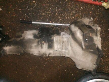 Supra gearbox dellow bellhousing suit Holden v8 Cranebrook Penrith Area Preview
