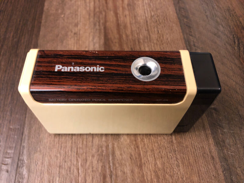 Panasonic KP-2A Battery Operated Portable Pencil Sharpener / TESTED