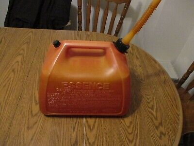 Gott 5 Gal Gallon Gas Can Rubbermaid Plastic Vented Old Style Fuel Can Jug
