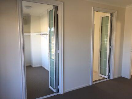 Bifold doors aluminium double glazed