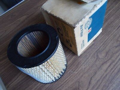 A925C Moulded Digits AC GM Air Filter NOS New Dated 1986