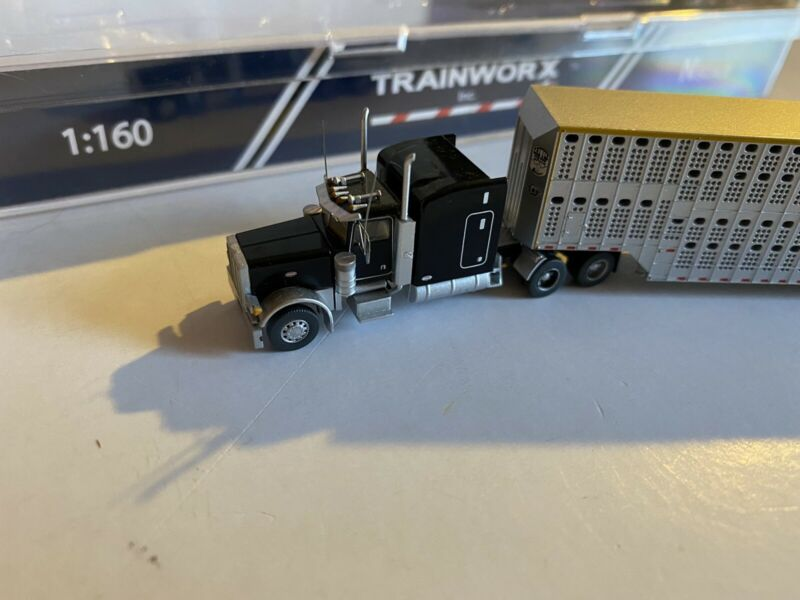 Trainworx Bull Hauler Peterbilt 379 Tractor Trailer  Truck #57930 w/box