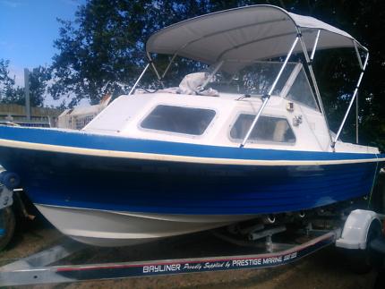 5.5m half cab boat