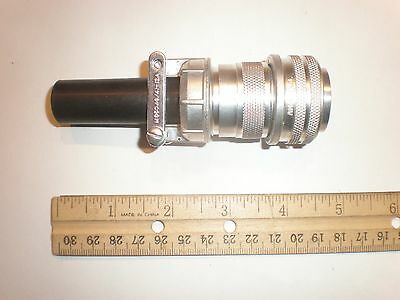 New - Ms3106a 20-6p Sr With Bushing - 3 Pin Plug