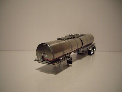 DCP FIRST GEAR 1/64 STAINLESS STEEL SIMULATED RIBBED BRENNER CHEMICAL TANKER
