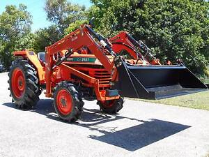 Kubota 30 Hp with 4 in 1 loader and NEW SLASHER FREE DELIVERY Currumbin Waters Gold Coast South Preview