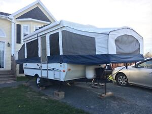 2005 Yearling tent trailer - excellent condition