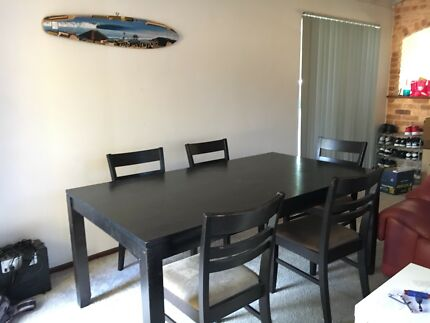 6 Chairs And Table Set