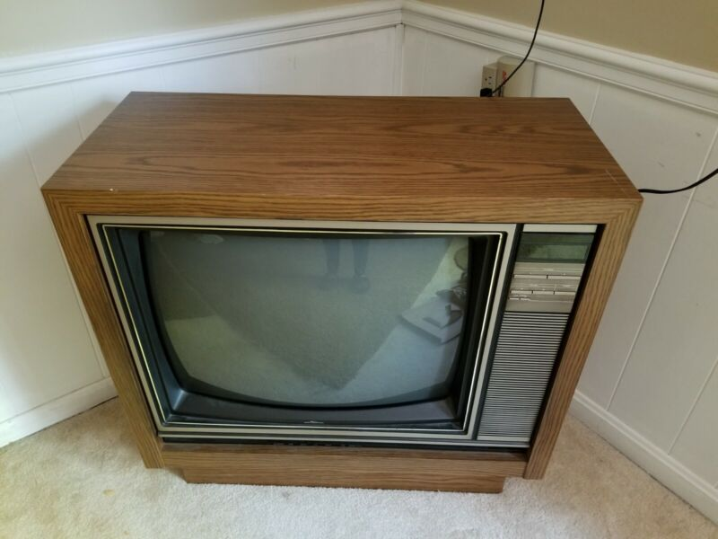 Vintage Sears Roebuck Console TV 1986