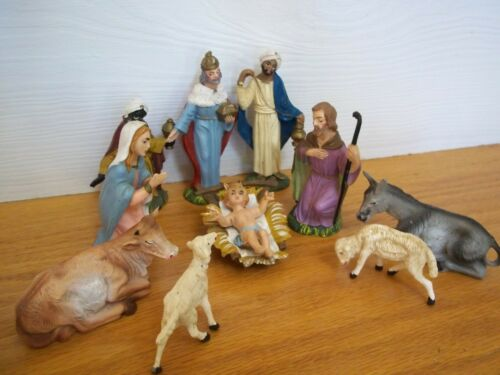 Vintage Nativity pieces marked Italy