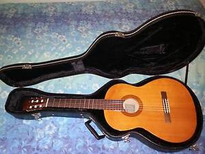 Classical Guitar & Hard Case Bentley Canning Area Preview