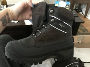 NWT Baffin Maple Boots